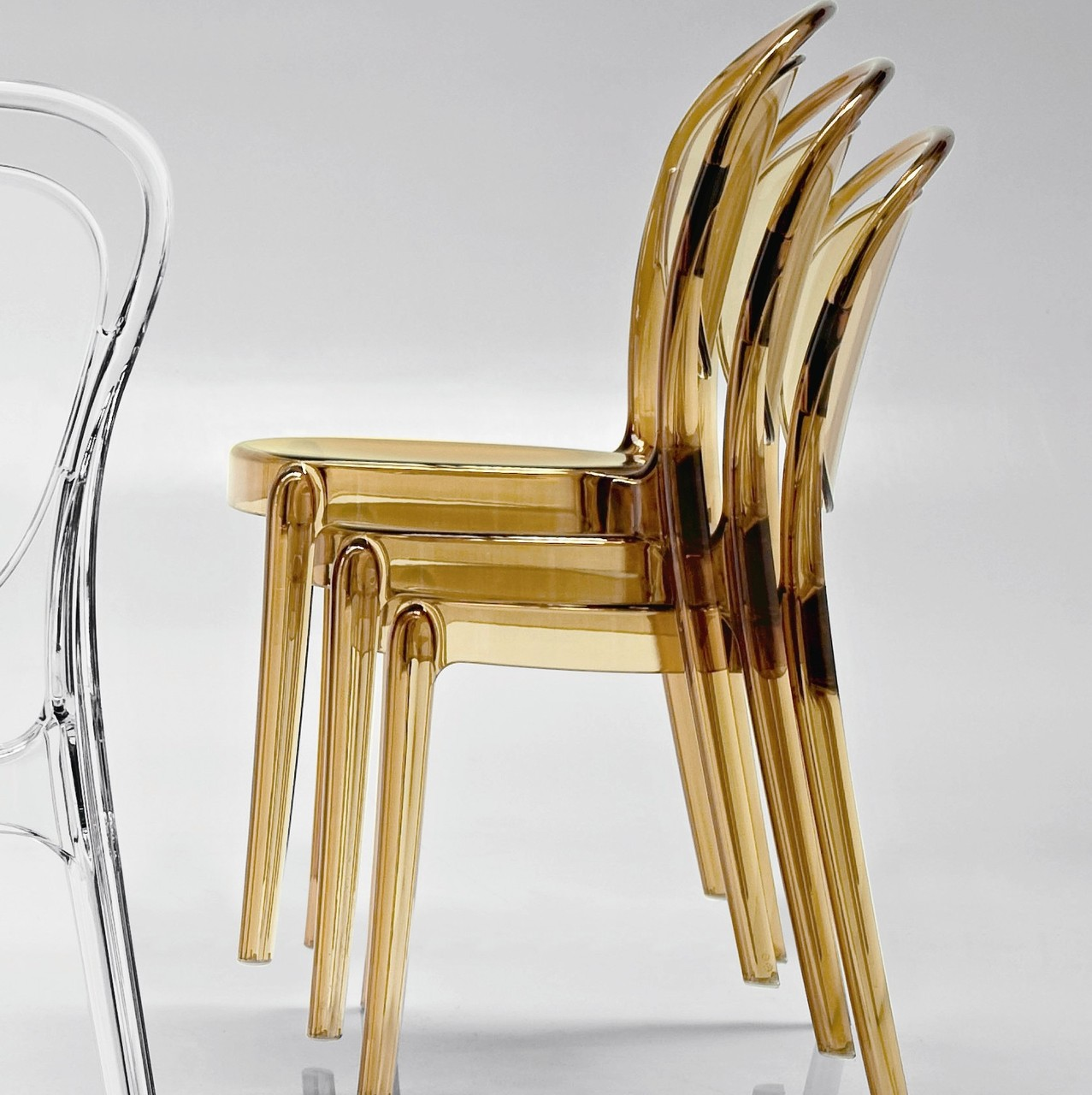 Calligaris parisienne chair calligaris dining chairs for Advance interior designs
