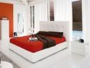 Naomi bed